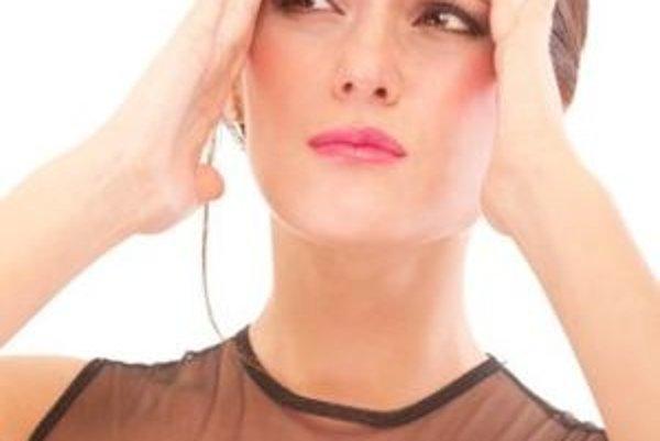 Závraty či bolesti hlavy môžu byť prejavom problémov s nízkym tlakom krvi - hypotenziou.