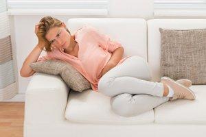Niektoré ženy pri menštruácii zažívajú bolesť porovnateľnú s infarktom.