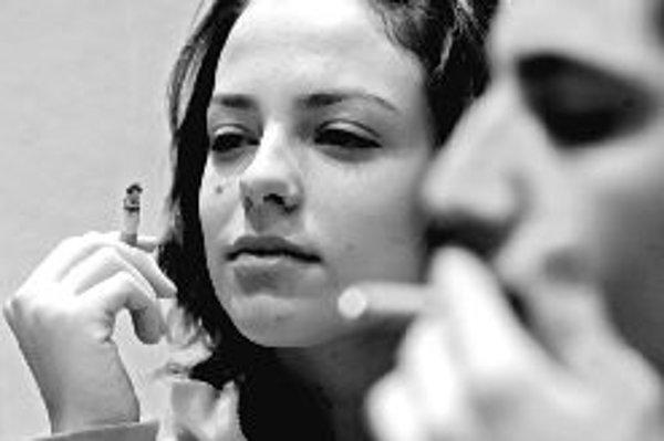 Prístroj odhalí hladinu oxidu uhoľnatého v krvi aj u pacienta, ktorý lekárovi zatají, že fajčí. ILUSTRAČNÉ