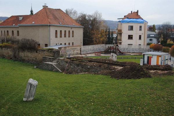 Archeologické práce prebiehajú v Záhrade umenia