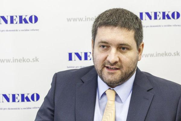 Analytik  INEKO Dušan Zachar.
