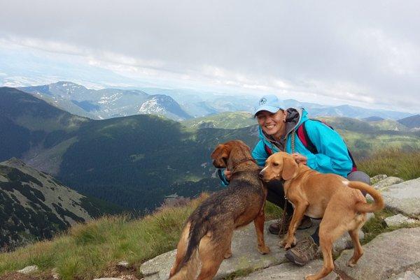Bez psíkov ani na krok. Lákajú ju prechádzky do prírody v okolí Košíc či krátke výlety do Vysokých či Nízkych Tatier.