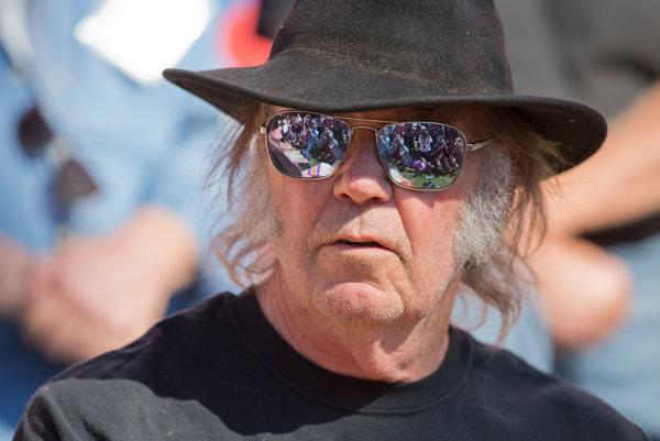 Neil Young nedovolil, aby Donald Trump používal v kampani jeho hity.