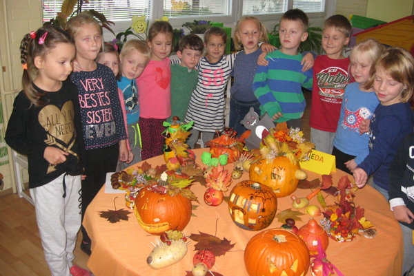 Škôlkari sa odfotili so svojimi jesennými kreáciami.