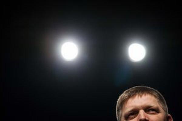 """<p>Premiér Robert Fico si v utorok popri kritike menšín stihol <a href=""""http://www.sme.sk/c/6715458/fico-matica-zachranila-slovakov-pred-vyhynutim.html"""">uctiť Maticu slovenskú</a>.</p>"""