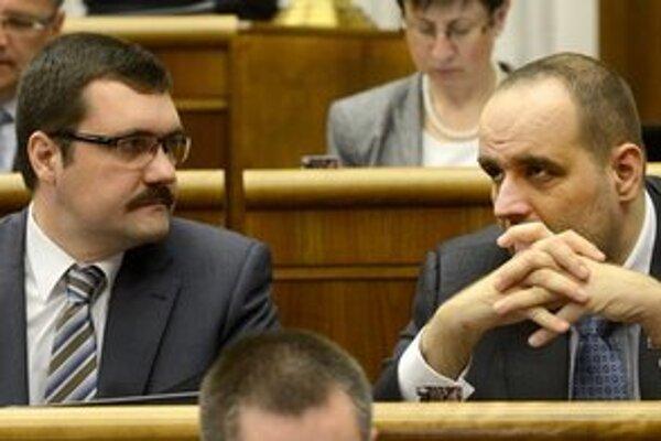 Viliam Novotný s predsedom strany Pavlom Frešom.