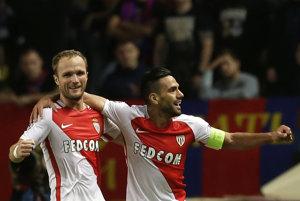 Futbalisti Monako si bez problémov pripísali tri body. Jeden z gólov strelil aj kanonier Radamel Falcao (vpravo).