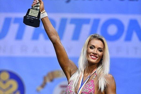 Eva Bániková so zlatou medailou.