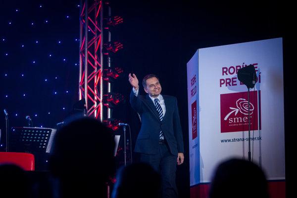 Minister financií a podpredseda Smeru Peter Kažimír je členom bratislavskej vetvy strany.
