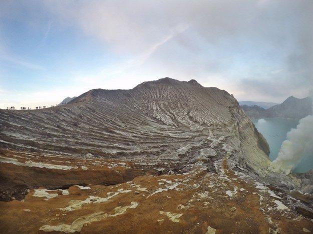 Okraj krátera