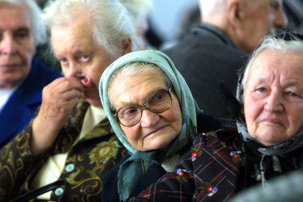 Dôverčiví dôchodcovia sa ťažko bránia stále premyslenejším podvodným praktikám.
