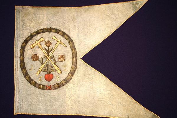 Zástava cechu. Zástava rožňavského baníckeho cechu zroku 1753.