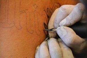 Z tetovania zázračný liek nebude.