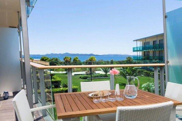 Od novembra 2013 je možnosť predaja a zápisu apartmánov v turistickej zóne do katastra nehnuteľností daná zákonom.