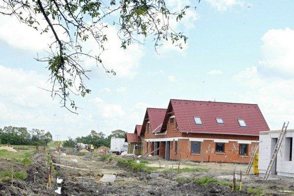 Stavebné sporiteľne cez prázdniny ponúkajú viaceré akcie.