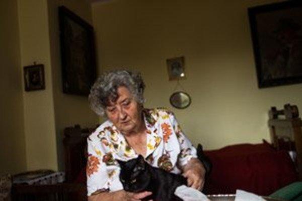 Anna Wielandová od roku 1948 pracovala ako účtovníčka, neskôr 25 rokov ako recepčná tatranských hotelov. Po novembri ´89 sa jej so sestrou podarilo dostať v reštitúciách zhabaný majetok. Venovala sa sprievodcovstvu, stále prekladá do nemčiny, pravidelne h