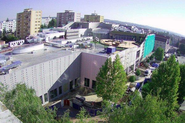 Pohľad na stavbu v októbri tohto roka. Centrum otvoria koncom novembra.