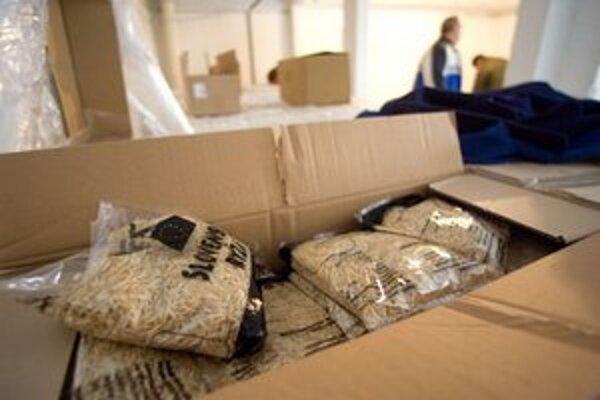 Distribúcia potravinovej pomoci v Bratislavskej mestskej časti Nové Mesto.