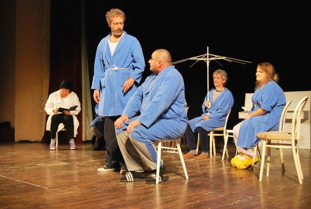 S Divadlom Normálka sa dostanete aj do psychiatrickej liečebne.