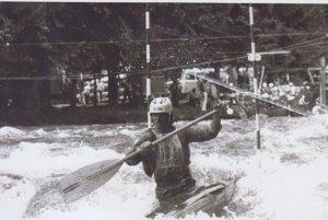 Najlepší košický vodný slalomár. Rudolf Forrai vperejách tatranskej rieky Belá.