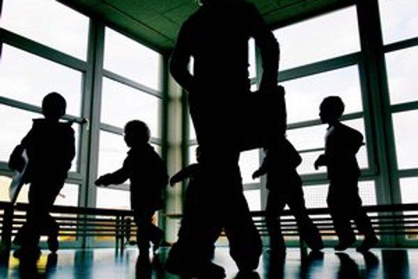 Starostlivosť o deti posudzujú Briti prísne.
