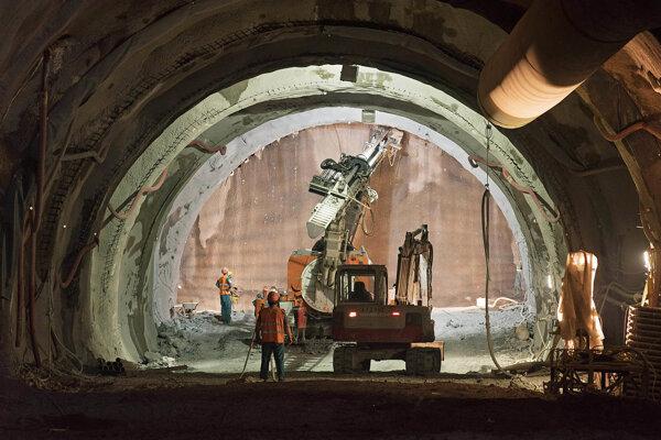 Razenie tunela pri Žiline.