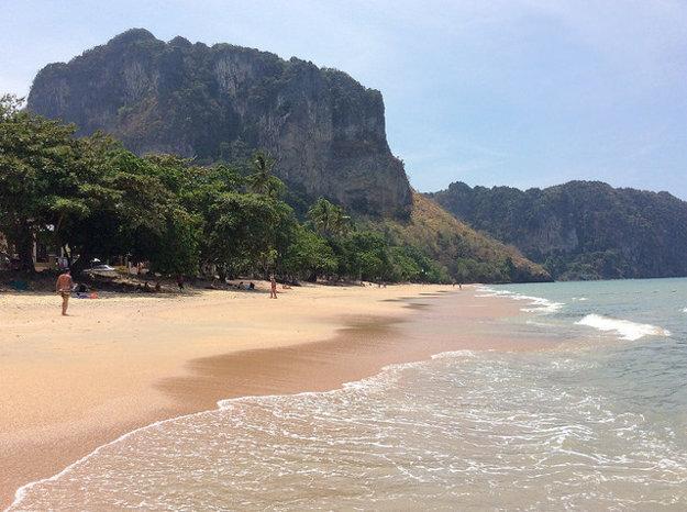 Ostrov Krabi v Thajsku má čarovné pobrežie.