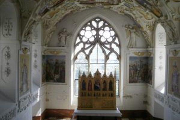 Kaplnka je jednou z ozdôb Bojnického zámku.