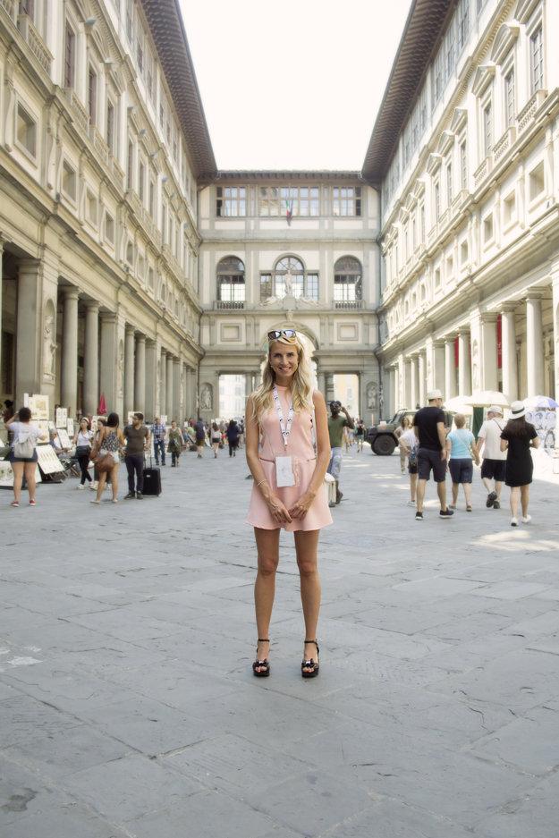 Simona v Galerii Uffizi