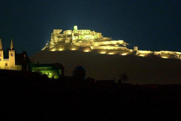 Spišský hrad už bude osvetlený trvalo.
