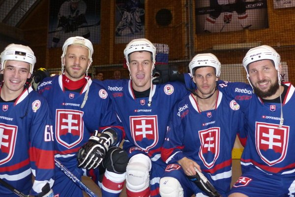 Skalická pätica vreprezentácii. Zľava: Radovan Zelenka, Michal Salajka, Richard Válek, Jaroslav Martinusík aMilan Rampáček.