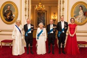 Kráľovská rodina. Sviatky budú tráviť spolu, samozrejme, aj s najmenšími - princom Georgeom a princeznou Charlotte.