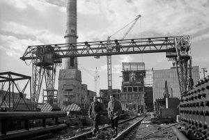 Na archívnej snímke zmarca 1963 výstavba teplárne VSŽ.