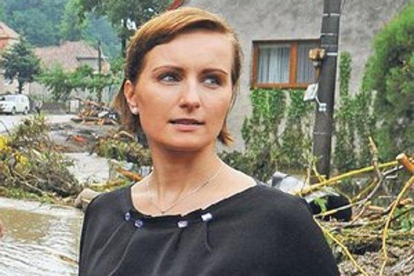 Beatrice Hudáková v byte býva, neplánuje ho predať, prenajať ani používať na komerčné účely.
