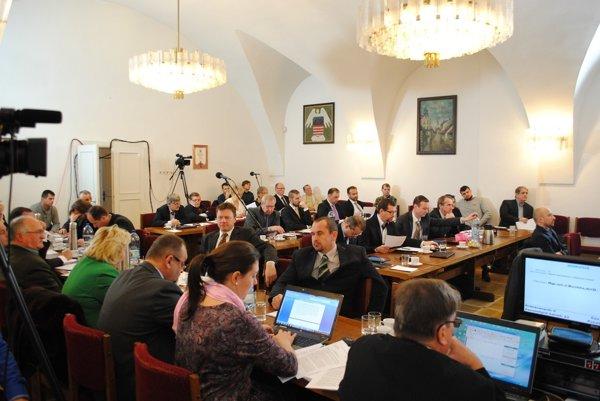 Mestskí poslanci schválili bardejovský rozpočet. (Zdroj: Mario Hudák)