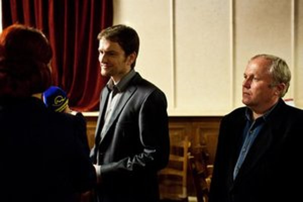Martin Fecko (vpravo) s lídrom strany Igorom Matovičom.