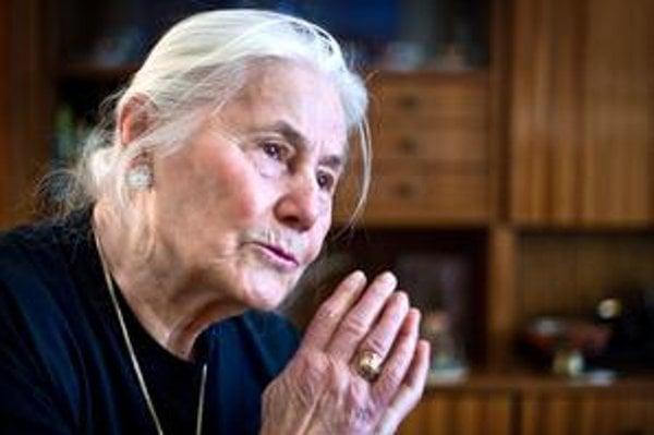 Magdaléna Kočanová je stredopravá volička.