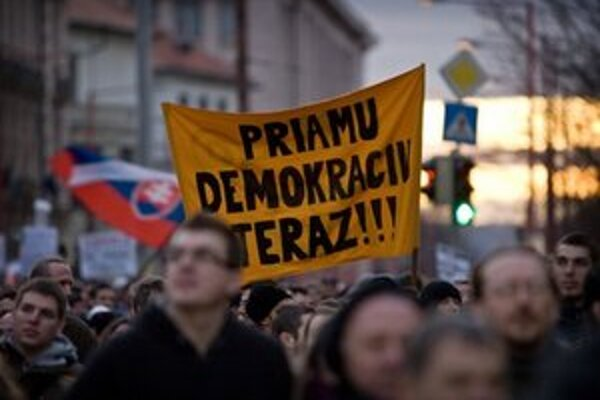 Proti Gorile sa protestovalo aj v piatok.