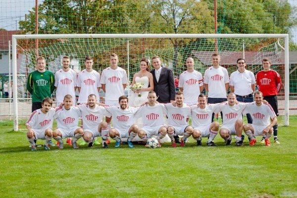 Futbalisti Nového Života strelili najviac gólov a najmenej dostali. Vlani skončili v lige druhí, zatiaľ tak potvrdzujú rolu favorita.