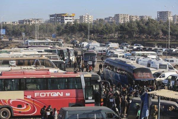 Rusko a Sýria vyzývajú USA na rokovanie o evakuácii vysídleneckého tábora