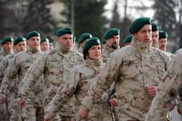Návrat Slovákov z misie v Afganistane.