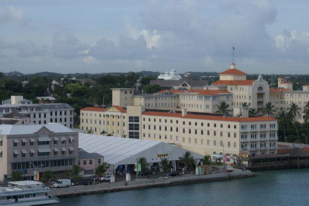 V Nassau môžete navštíviť aj známy Straw Market pri pobreží.