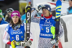 Veronika Velez-Zuzulová počas jazdy Mikaely Shiffrinovej.