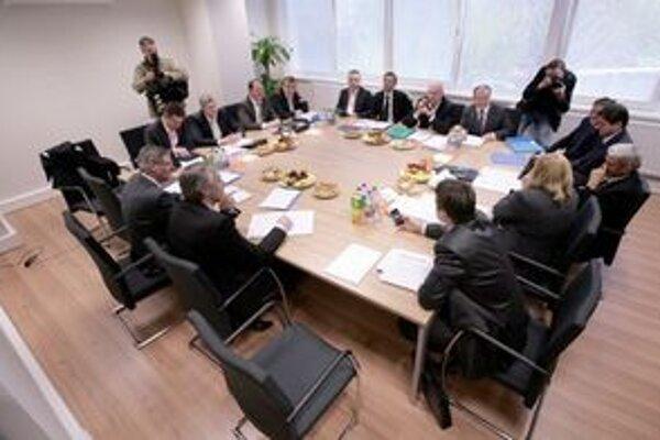 Rokovanie koaličnej rady.