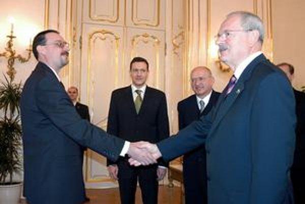 Gašparovič váha s menovaním Čentéša, na generálnej prokuratúre ostáva námestníkom Trnka (vľavo).