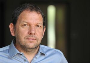 Michal Šnobr je energetickým analytikom a investorom. Okrem iného spolupracuje aj s J&T bankou.