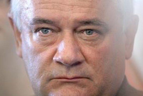 Ján Slota vysúdil za poškodenie povesti 5 miliónov korún.