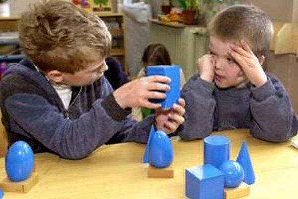 S geometriou začínajú školy postupne už na prvom stupni. Ministerstvo školstva tvrdí, že učitelia ju nemajú radi.