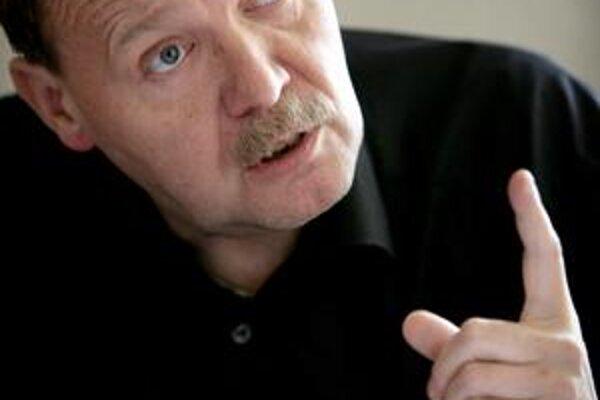 Engel viedol lekárov v Česku.