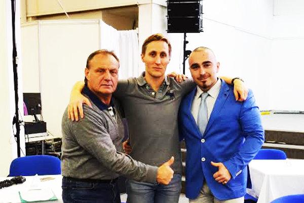 zľava organizátor Milan Gabrhel, v strede Sajfa, vpravo organizátor Pavol Guga.